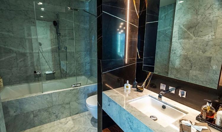 luxury bathroom zlota 44