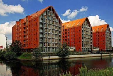 aura gdansk for rent