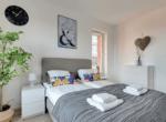 bedroom gdansk rent flat